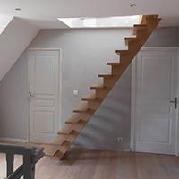 Création d'un escalier en bois près de Dunkerque